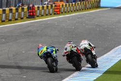 Yonny Hernández con Danilo Petrucci, Pramac Racing Ducati, y Maverick Viñales, Team Suzuki MotoGP