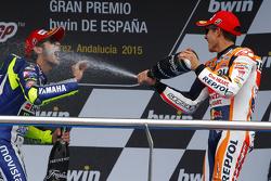 Подиум: третье место - Валентино Росси и второе место - Марк Маркес
