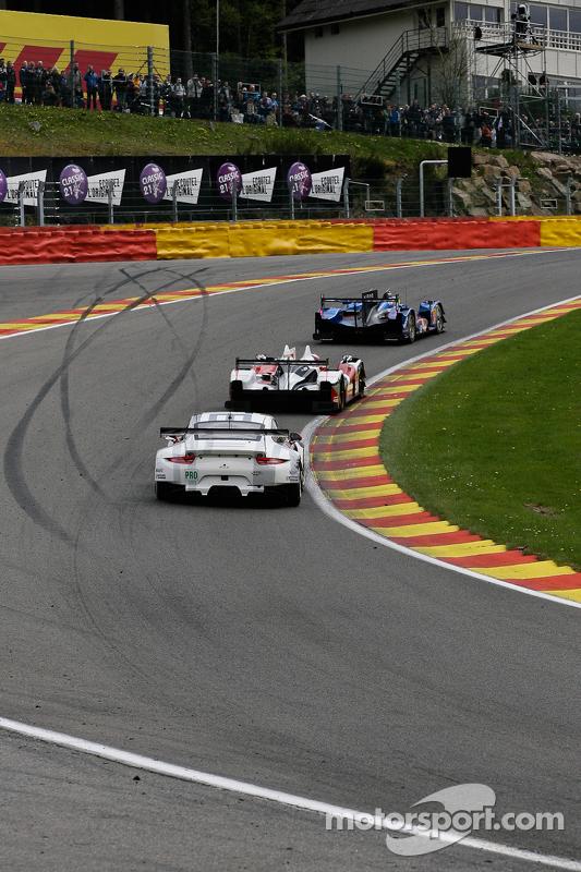 #92  Porsche Team Manthey, Porsche 911 RSR: Frédéric Makowiecki, Richard Lietz