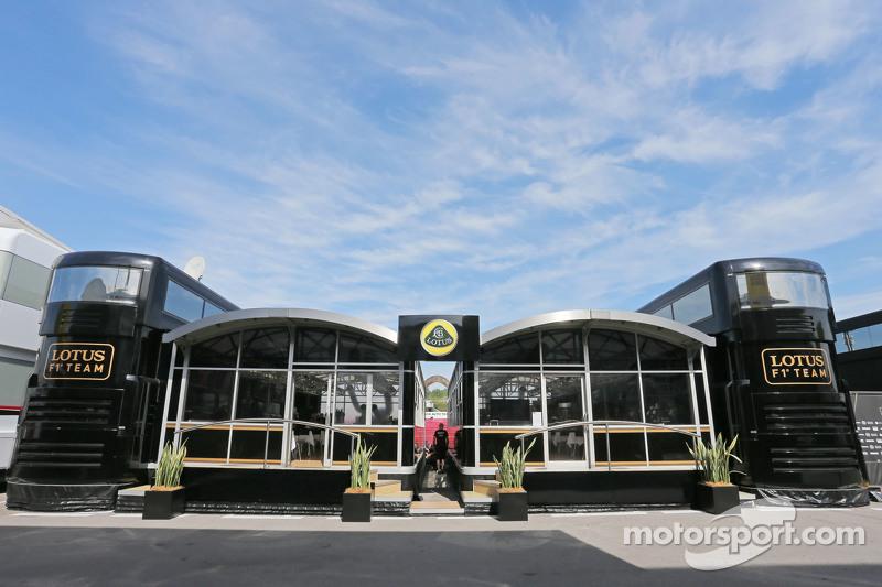 Lotus F1 Team моторхоум