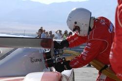 Re-fuel for #01 CompUSA Chip Ganassi with Felix Sabates Lexus Riley: Scott Pruett, Luis Diaz, Scott Dixon pit stop