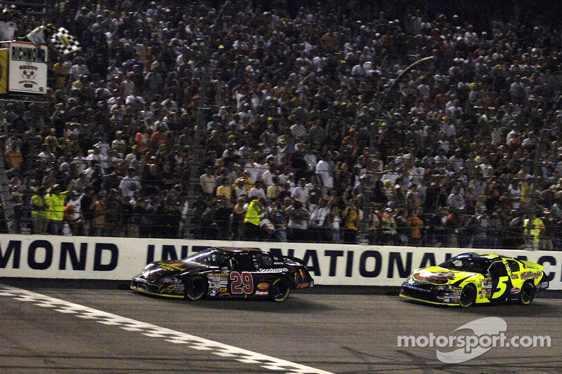 5. 2006: Kevin Harvick takes checkered flag over Kyle Busch