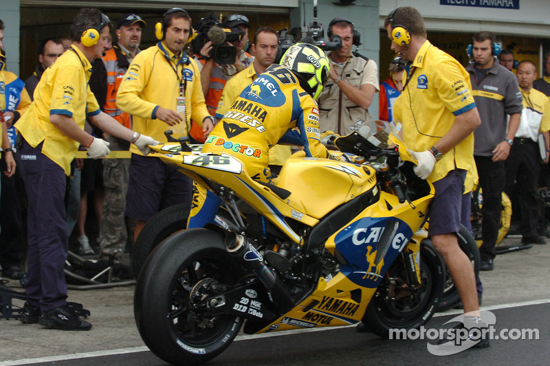 Bike change for Valentino Rossi