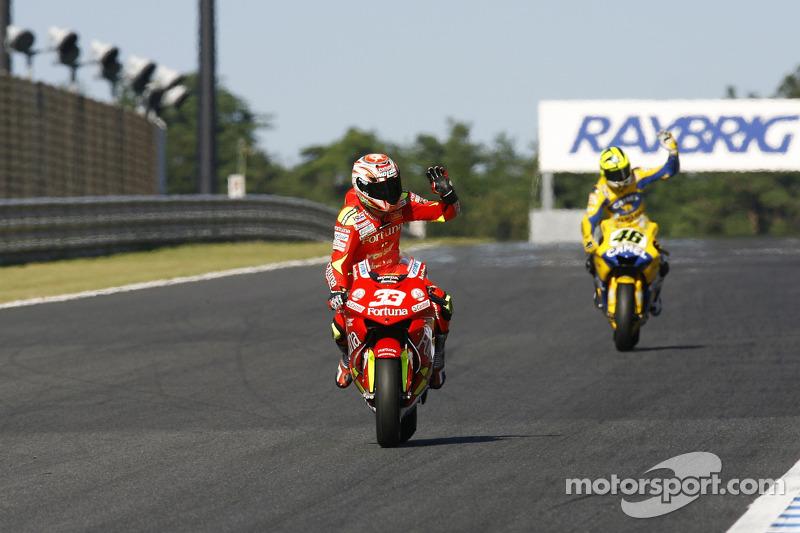 Marco Melandri celebra tercer lugar final