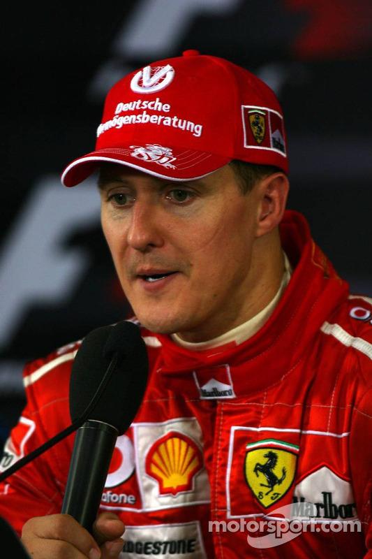 Conférence de presse : le vainqueur de la course Michael Schumacher