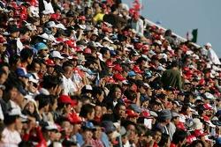 Fans de Suzuka listos para la carrera