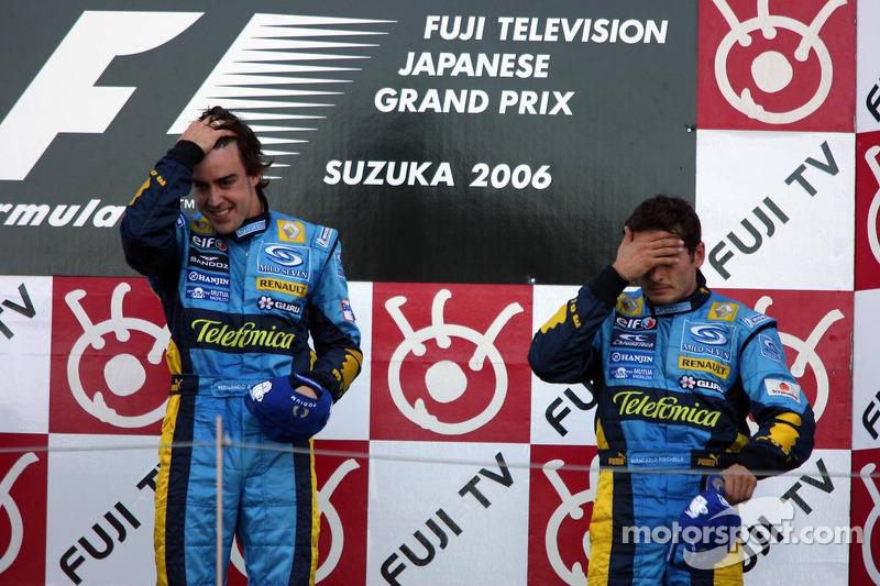 Podio: ganador de la carrera Fernando Alonso y tercer lugar Giancarlo Fisichella
