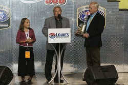 Humpy Wheeler presents a special trophy to Dick Trickle