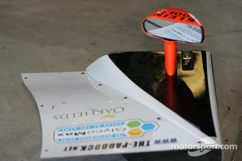 Ce qu'il reste de l'Intersport Racing Lola n°37 B05/40 AER