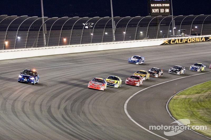 Jeff Gordon derrière la voiture de sécurité