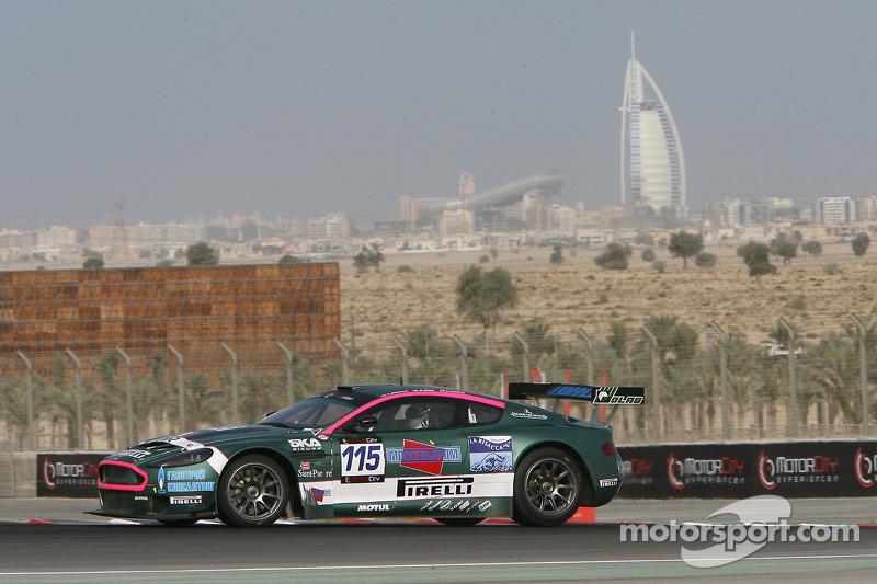 #115 BMS Scuderia Italia Aston Martin DBRS9: Sergey Zlobin, Marcello Zani, Roberto Benucci