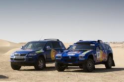 Volkswagen Motorsport test in Dubai: Volkswagen Touareg V6 TDI and Volkswagen Race Touareg 2