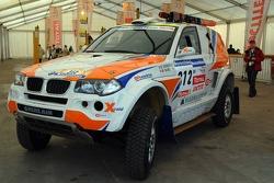 X-Raid BMW of Guerlain Chicherit and Matthieu Baumel