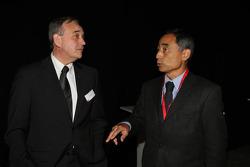 John Howett, Toyota Racing, Başkanı TMG ve Hiroshi Yasukawa, Bridgestone