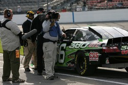 Jeremy Mayfield about to qualify