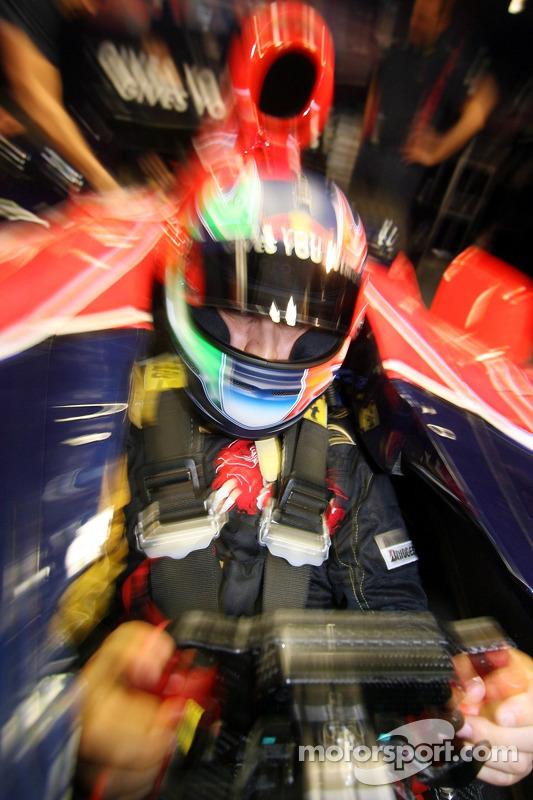 Vitantonio Liuzzi, Scuderia Toro Rosso, STR2