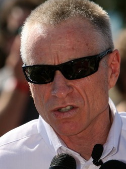 Hendrick Motorsports Mark Martin announcement: Mark Martin to drive No. 5 Busch Series Chevys in 2007