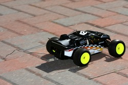 Raybestos Rookie RC Challenge 2007: the car of Juan Pablo Montoya without its antenna