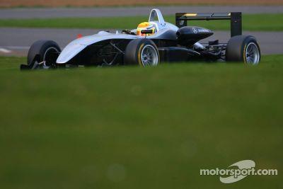 Testfahrten in Silverstone, März