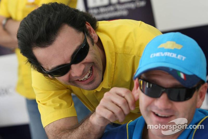 Roberto Colciago, SEAT Sport Italia, SEAT Leon, plaisante avec Nicola Larini, Team Chevrolet, Chevrolet Lacetti