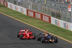 David Coulthard, Red Bull Racing, RB3 overtaken by Felipe Massa, Scuderia Ferrari, F2007