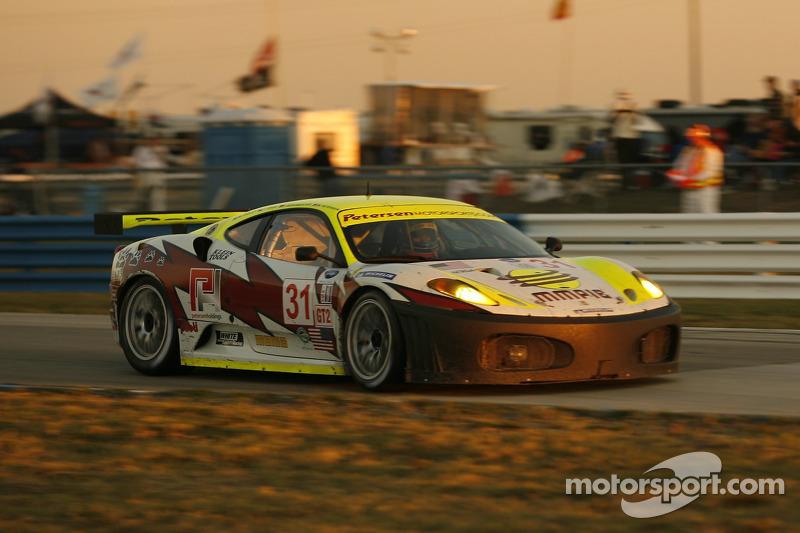 #31 Petersen White Lightning Ferrari 430 GT: Tim Bergmeister, Tomas Enge, Memo Gidley