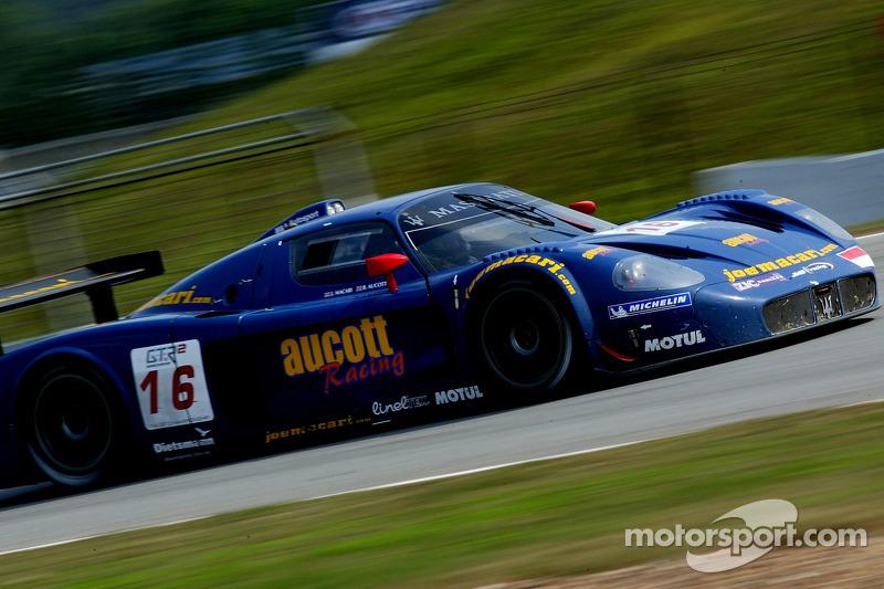 #16 JMB Racing Maserati MC 12 GT1: Joe Macari, Ben Aucott