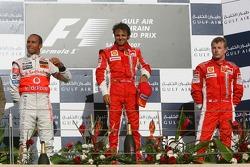 Podium: Sieger Felipe Massa mit Lewis Hamilton und Kimi Räikkönen