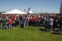 Crowds line up to get into Texas Motor Speedway