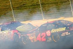 David Gilliland and Juan Pablo Montoya crash