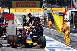 Даниил Квят, Red Bull Racing RB11 остановился на пит-лейне