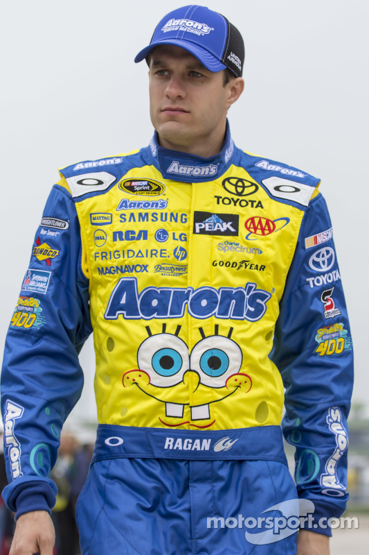 David Ragan, Michael Waltrip Racing, Toyota
