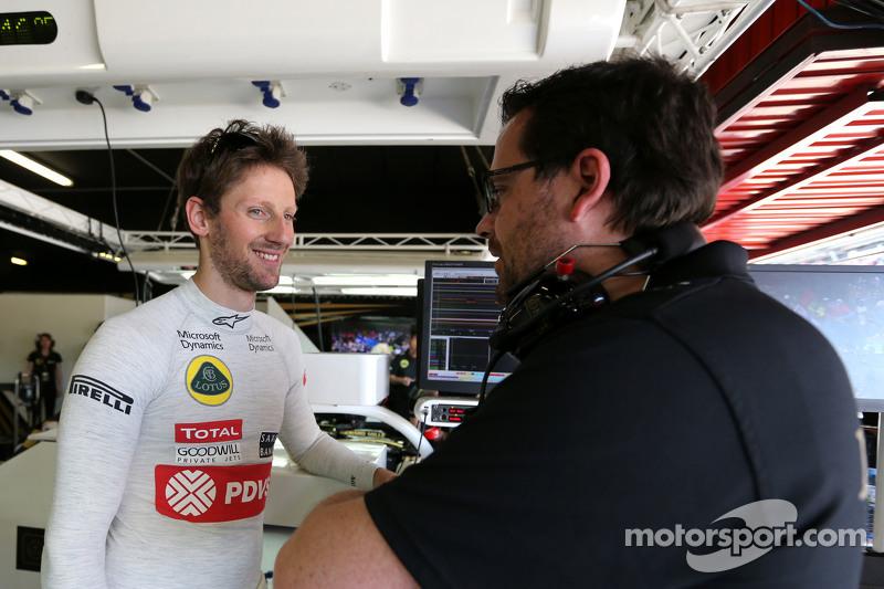 Romain Grosjean, Lotus F1 Team e engenheiro Julien Simon-Chautemps