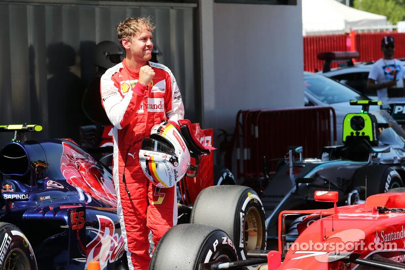 Sebastian Vettel, Ferrari, feiert seinen 3. Platz im Qualifying im Parc Fermé