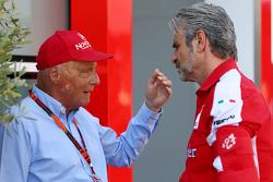 Niki Lauda, Mercedes Non-Executive Chairman met Maurizio Arrivabene, Ferrari-teambaas