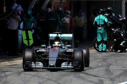 Льюис Хэмилтон, Mercedes AMG F1 Team во время пит-стопа