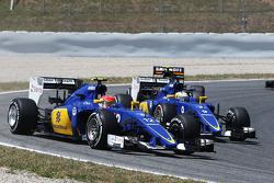 Фелипе Наср, Sauber C34 и Маркус Эриксон, Sauber C34 на старте гонки