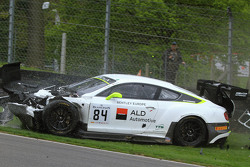 #84 Bentley Team HTP Bentley Continental GT3: Mike Parisy, Harold Primat, Vincent Abril in a huge crash