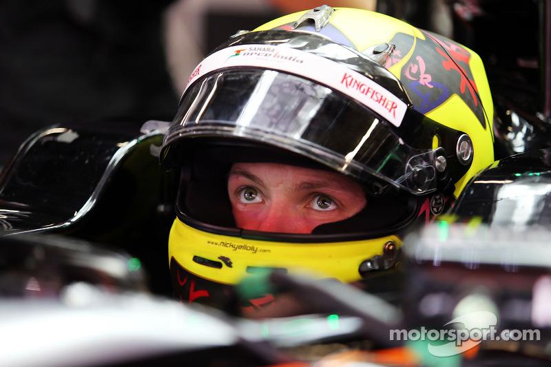 نيك يلولي، سائق تجارب فريق سهارا فورس إنديا فورمولا 1 على متن سيارة في جيه أم 08