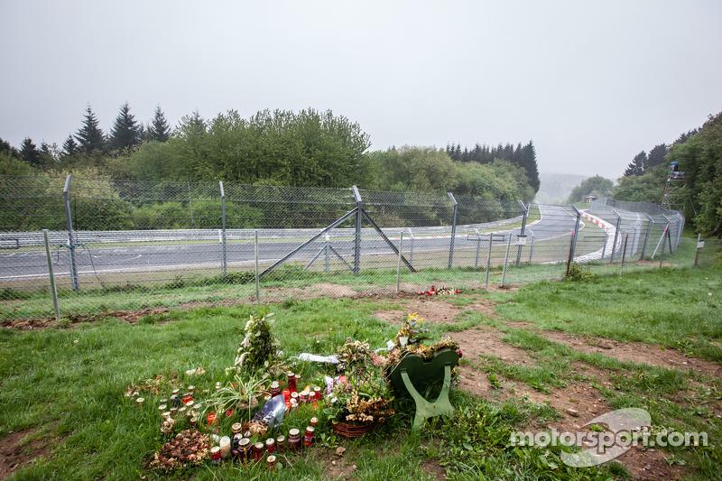 Memorial at Flugplatz для