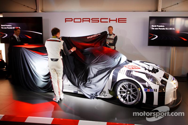 Präsentation Porsche 911 GT3 R: Jörg Bergmeister und Patrick Pilet präsentieren den neuen Porsche 91