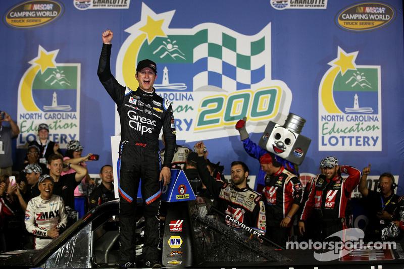 Race winner Kasey Kahne, JR Motorsports Chevrolet celebrates