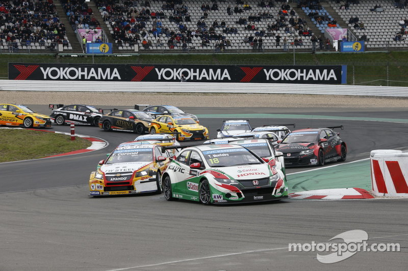 Start zum 2. Rennen: Tiago Monteiro, Honda Civic WTCC, Honda Racing Team JAS