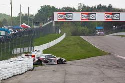#99 JCR Motorsports Audi R8 LMS Ultra: Jeff Courtney crashes