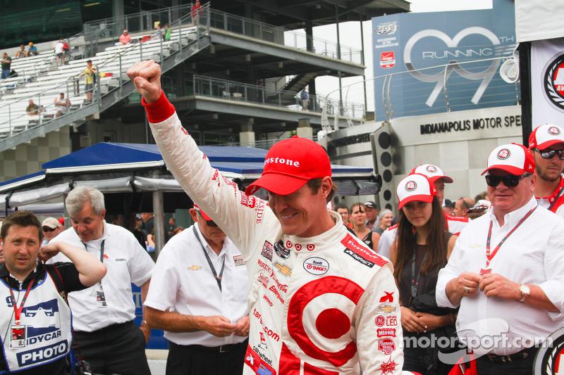 Scott Dixon, Chip Ganassi Racing merayakan pole position