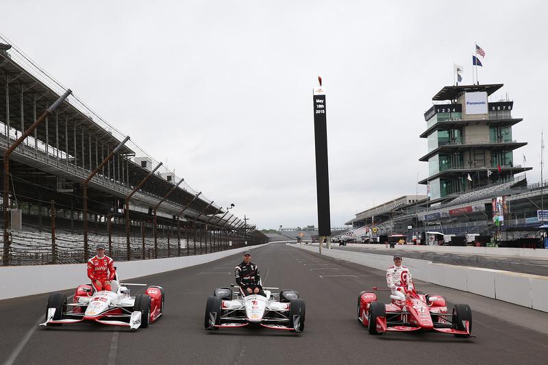 Front row photoshoot: Simon Pagenaud, Team Penske Chevrolet, Will Power, Team Penske Chevrolet and p