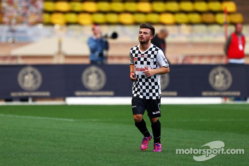 Will Stevens, Manor F1 Team, alla partita di calcio di beneficenza