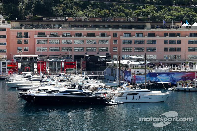 Monaco паддок атмосфера