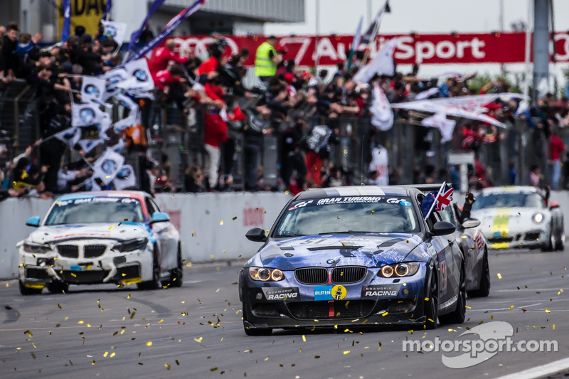 bendera kotak-kotak: # 51 Adrenalin Motorsport BMW 335i E92: Niels Borum, Maurice O 'Reilly, Michae