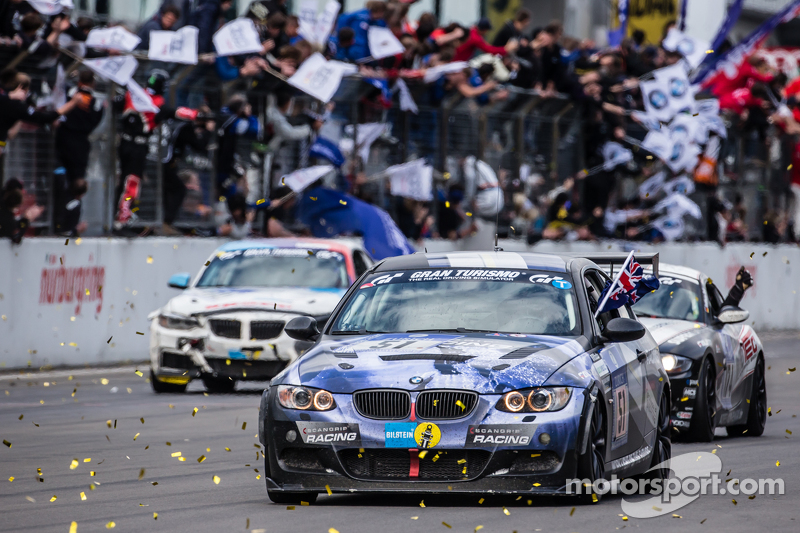 Checkered прапор: #51 Adrenalin Motorsport BMW 335i E92: Niels Borum, Maurice O'Reilly, Michael Eden